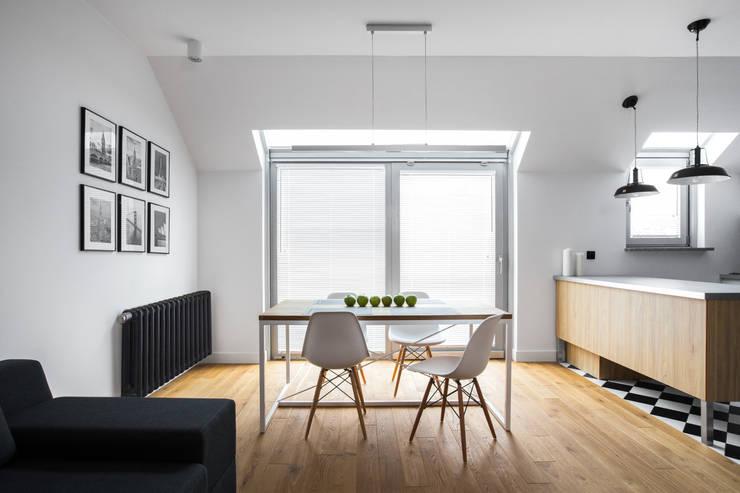 Mieszkanie w Warszawie/ IN PRACOWNIA: styl , w kategorii Jadalnia zaprojektowany przez www.niewformie.pl