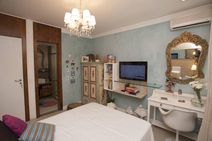 Dormitorios de estilo  por POCHE ARQUITETURA