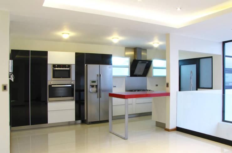 Vista Interior - Cocina: Cocinas de estilo  por Estudio Meraki