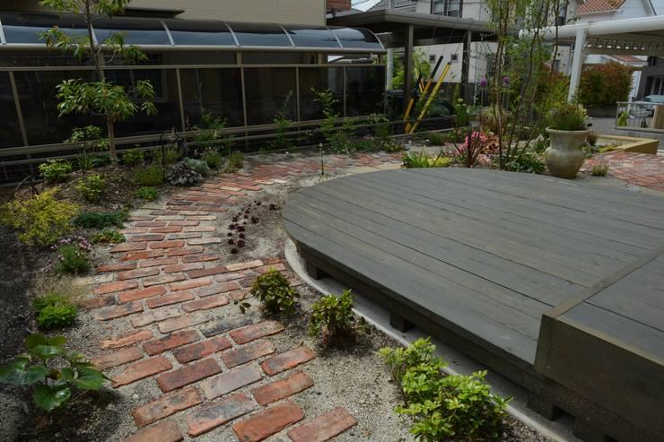 de style  par T's Garden Square Co.,Ltd., Éclectique