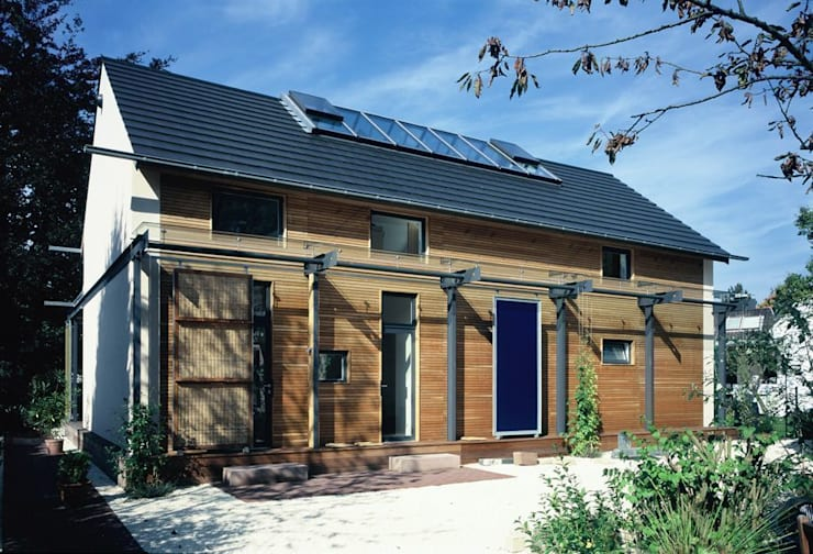 EFH im Effizienzhausstandard 60: moderne Häuser von HülsmannThiemeMinor Architekten