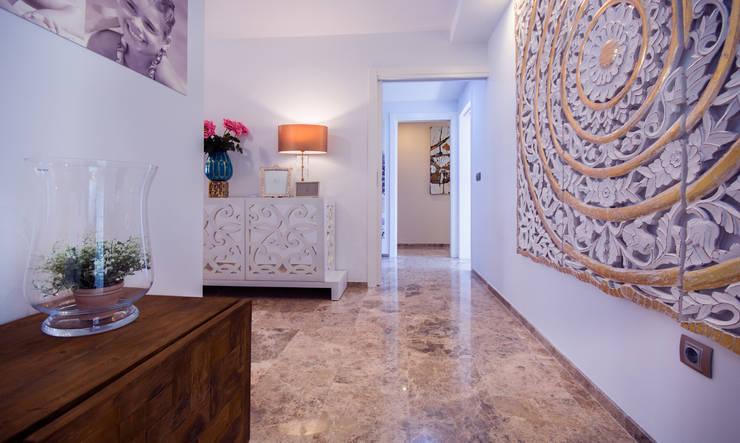 Corridor & hallway by Apersonal
