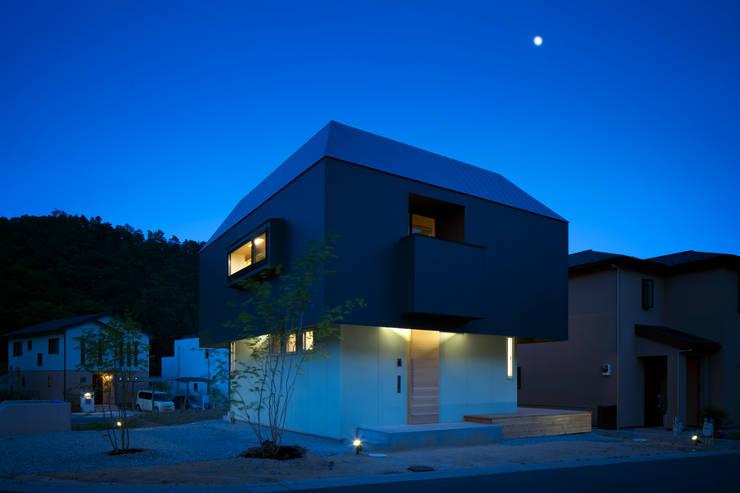 箕面森町の家: 安部秀司建築設計事務所が手掛けた家です。,