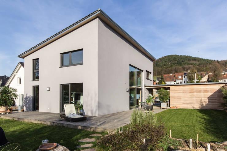 Haus OM in Seelbach: moderne Häuser von Schuler Architekten