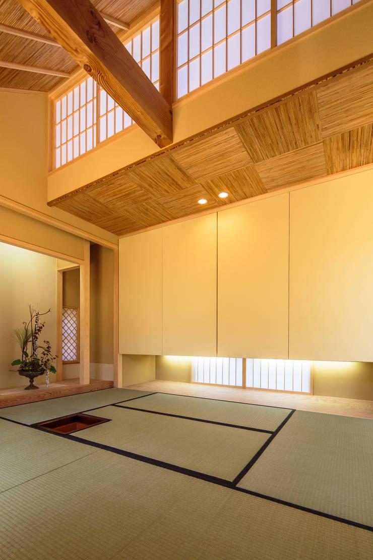 和光の家: 梶浦博昭環境建築設計事務所が手掛けた壁です。