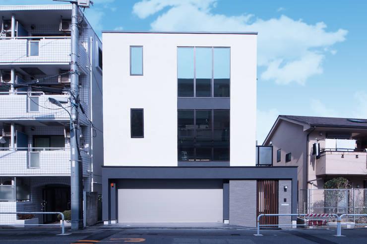 表情豊かなシンプルモダンの家: TERAJIMA ARCHITECTSが手掛けた家です。