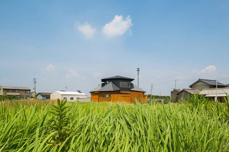 開花の家: 梶浦博昭環境建築設計事務所が手掛けた家です。