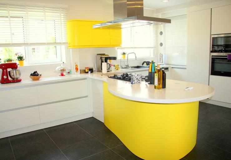 Cozinha  por Luce mutfak&banyo