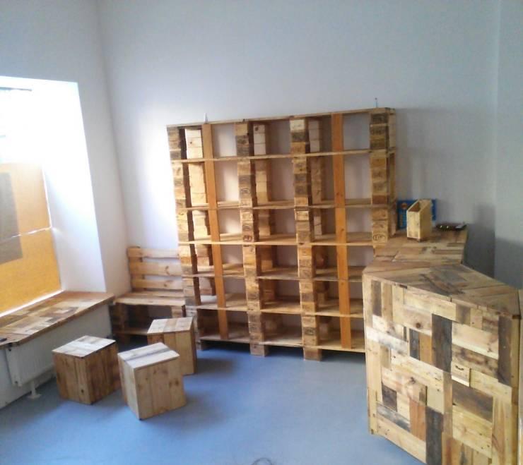 Офисные помещения и магазины в . Автор – Daskunsthaus