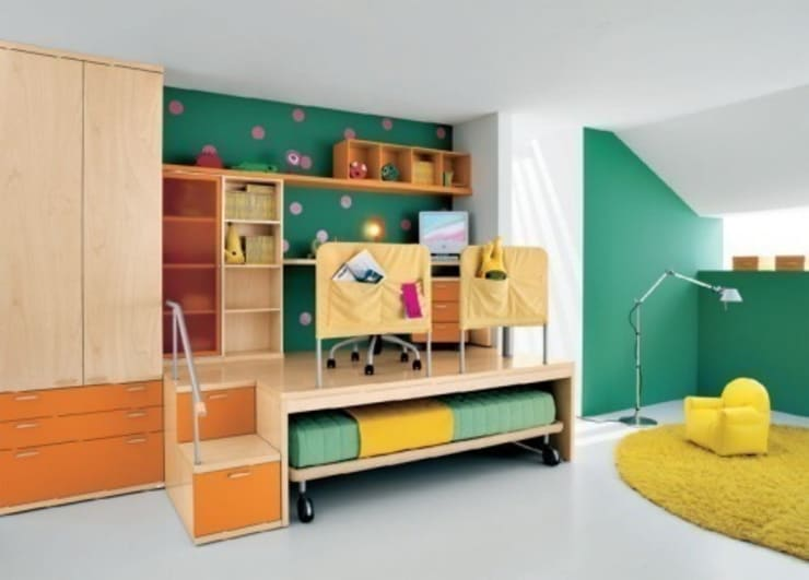 Nursery/kid's room by Metro Wardrobes London