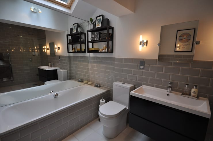 Baños de estilo moderno de The Lady Builder