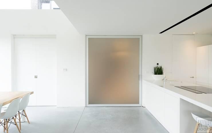Grote glazen deur:  Glazen deuren door Anyway Doors