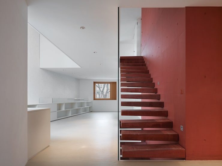 Corridor & hallway by Bob Gysin + Partner BGP