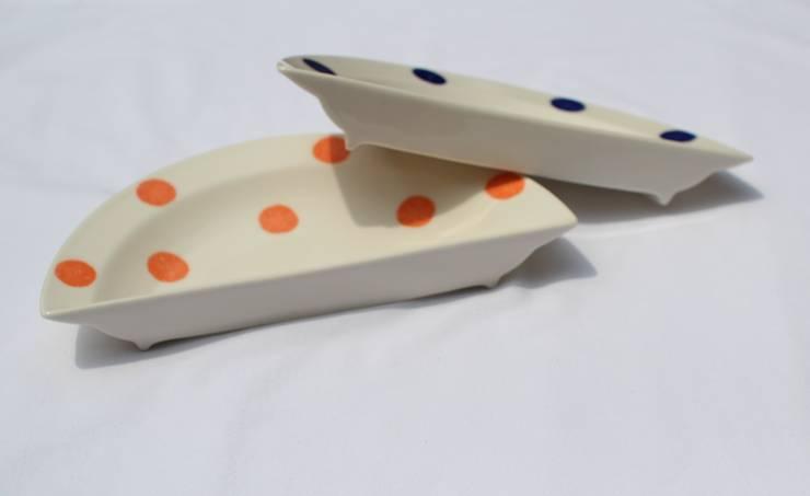 하나인듯 하나아닌 반원접시 세트: HANDCERA(핸드세라)의  주방