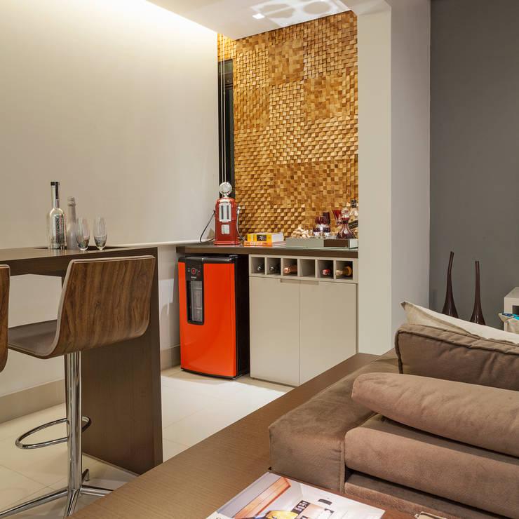 Apartamento .RF: Terraços  por Amis Arquitetura & Design
