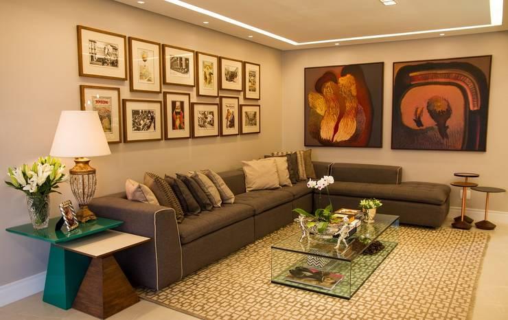 Sala de Estar: Salas de estar  por Jamile Lima Arquitetura