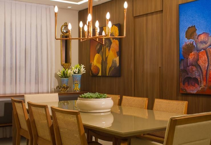 Sala de Jantar: Salas de estar  por Jamile Lima Arquitetura