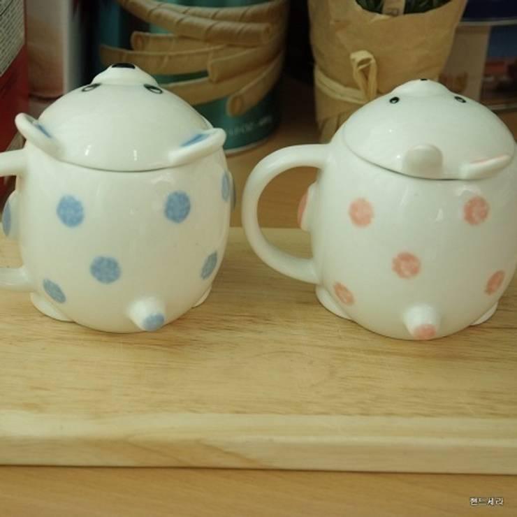 토순이와 곰돌이 커플컵: HANDCERA(핸드세라)의  주방