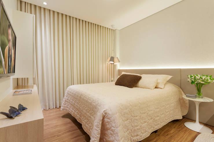 Apartamento .RF: Quartos  por Amis Arquitetura & Design