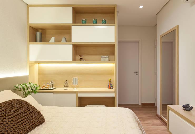 Спальни в . Автор – Amis Arquitetura & Design