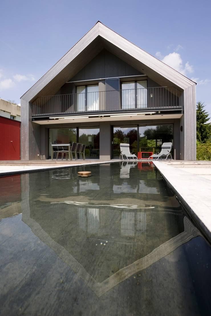 Maisons modernes par AESCHLIMANN ARCHITEKTEN Moderne