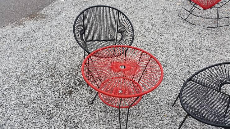 Silla y mesa acapulco: Jardín de estilo  por Diseñería 72ocho10