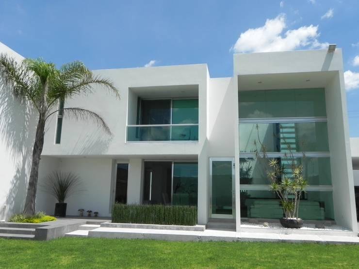 CASA ZAGO Casas minimalistas de ARKIZA ARQUITECTOS by Arq. Jacqueline Zago Hurtado Minimalista