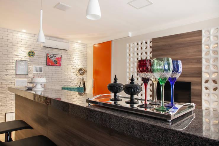 Cocina de estilo  por Biarari e Rodrigues Arquitetura e Interiores