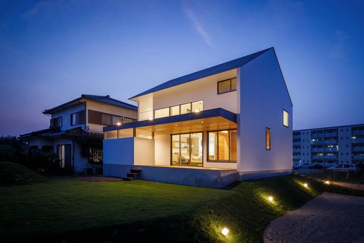 บ้านและที่อยู่อาศัย by 一級建築士事務所haus