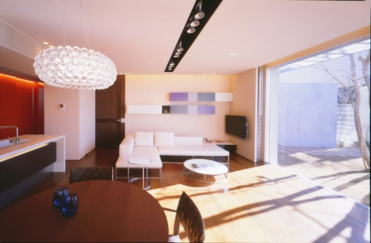 LDL  | 百日紅の家 | RC造高級注文住宅: Mアーキテクツ|高級邸宅 豪邸 注文住宅 別荘建築 LUXURY HOUSES | M-architectsが手掛けたリビングです。