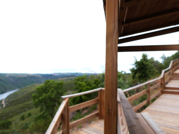 Centro de Observação Avifauna do Gavião: Varanda, marquise e terraço  por OpenGreen