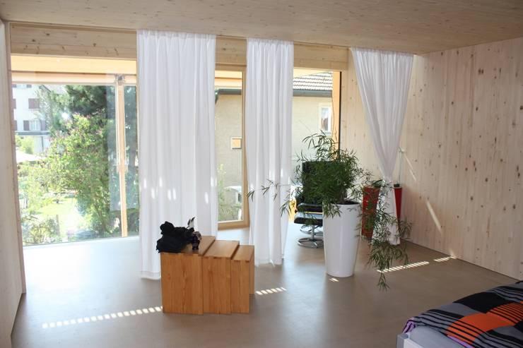 Schlafzimmer:  Schlafzimmer von bb architektur gmbh