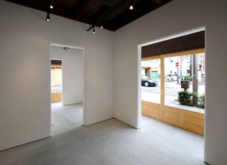 ギャラリー: 一級建築士事務所 ヒモトタクアトリエが手掛けた和室です。
