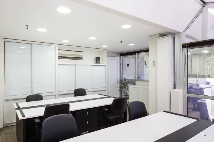 Sala Produção:   por Juliana Damasio Arquitetura