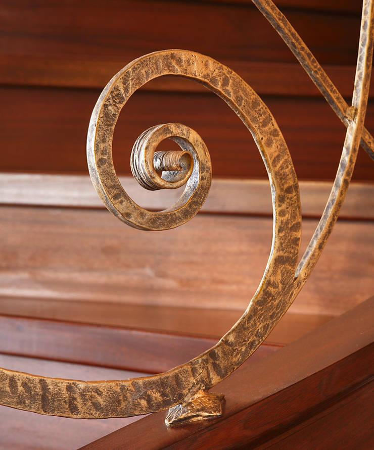 ST433 Spiralne schody gięte / ST433 Spiral Curved Stairs: styl , w kategorii Korytarz, przedpokój zaprojektowany przez Trąbczyński
