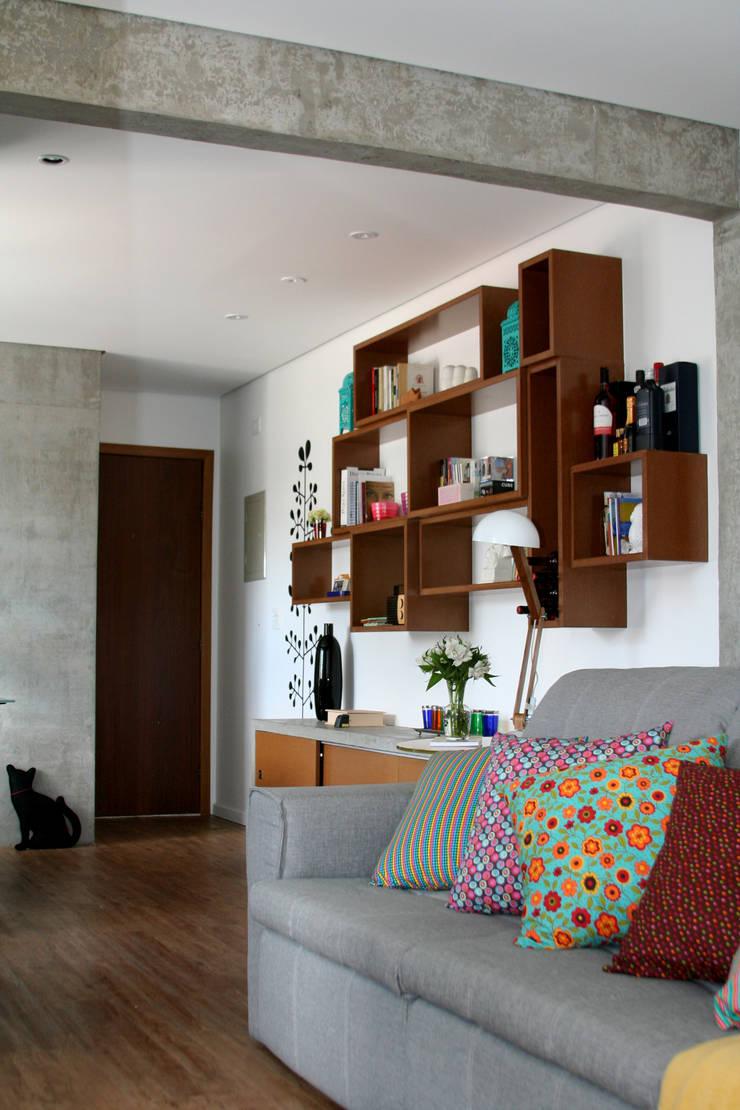 Estar 2: Salas de estar modernas por verso arquitetura