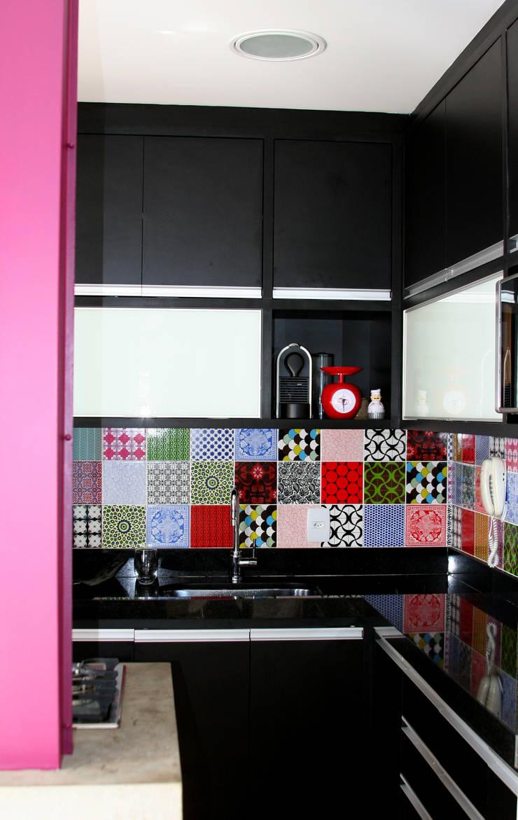 Cozinha 1: Cozinhas modernas por verso arquitetura