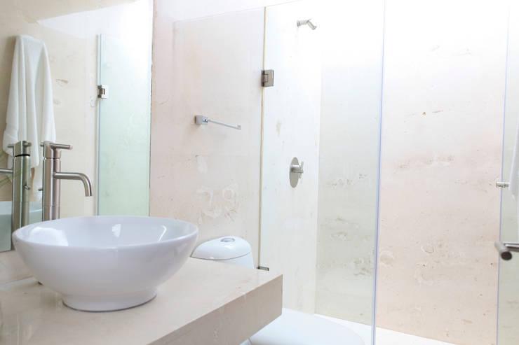 Enrique Cabrera Arquitecto의  욕실