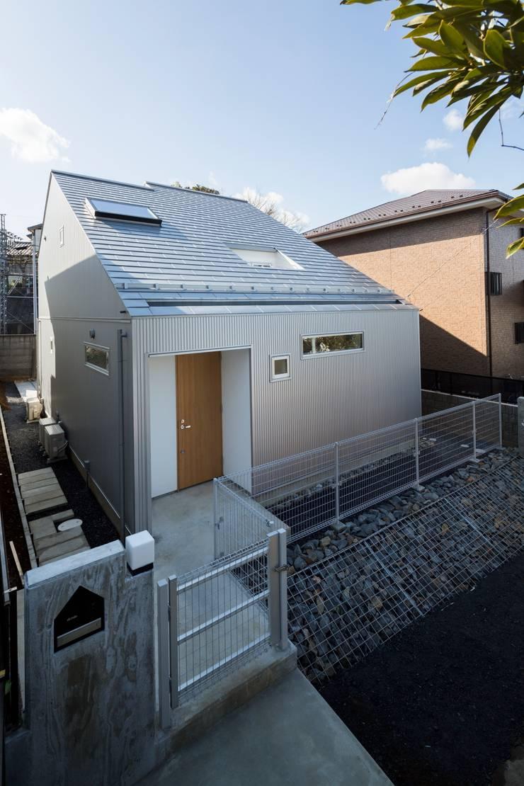 トネリコの家: 長久保健二設計事務所が手掛けた家です。