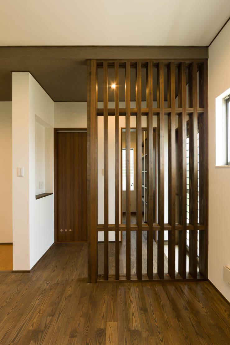 目隠し格子: 株式会社かんくう建築デザインが手掛けた壁です。