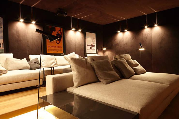Media room by Studio Matteoni