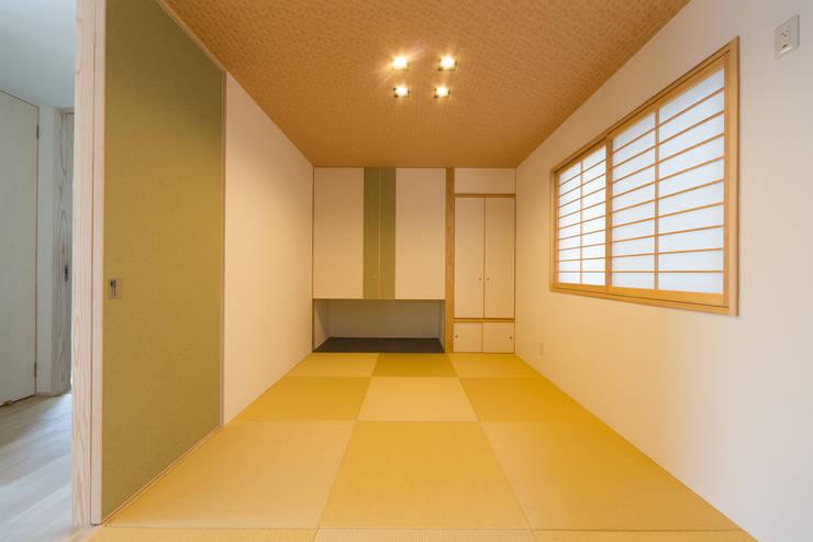 和室: 株式会社かんくう建築デザインが手掛けた和室です。
