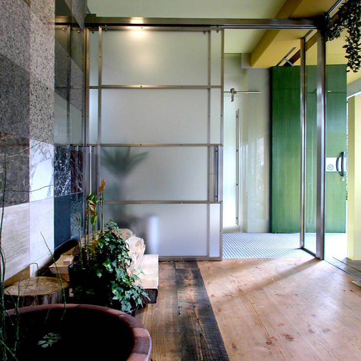 ユミラ建築設計室의  창문