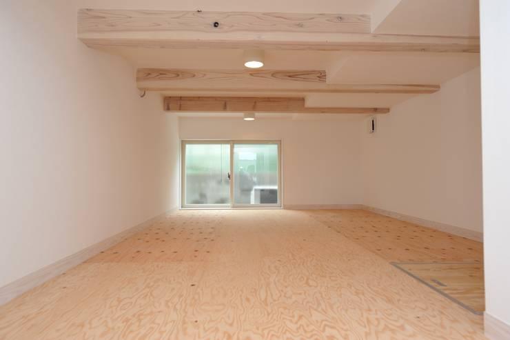 アートヴィラ設計: アートヴィラ設計が手掛けた和室です。
