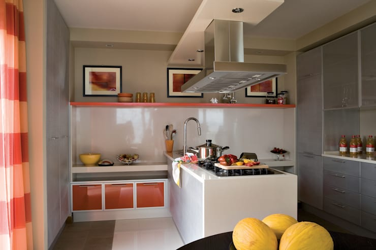 Cucina: Cucina in stile  di PDV studio di progettazione