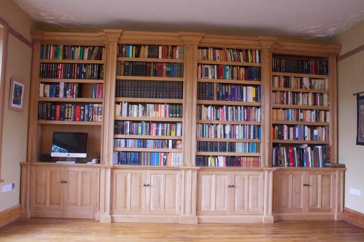 Oak Break fronted Bookcase:  Study/office by Worsley Woodworking