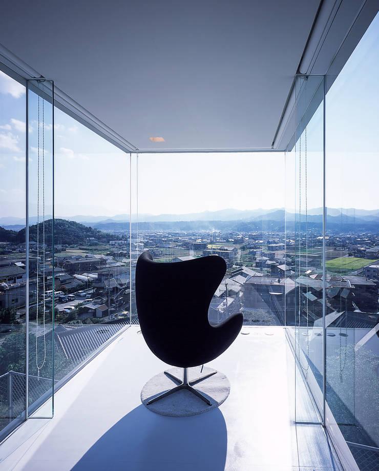 中山の住宅: アトリエ環 建築設計事務所が手掛けた和室です。