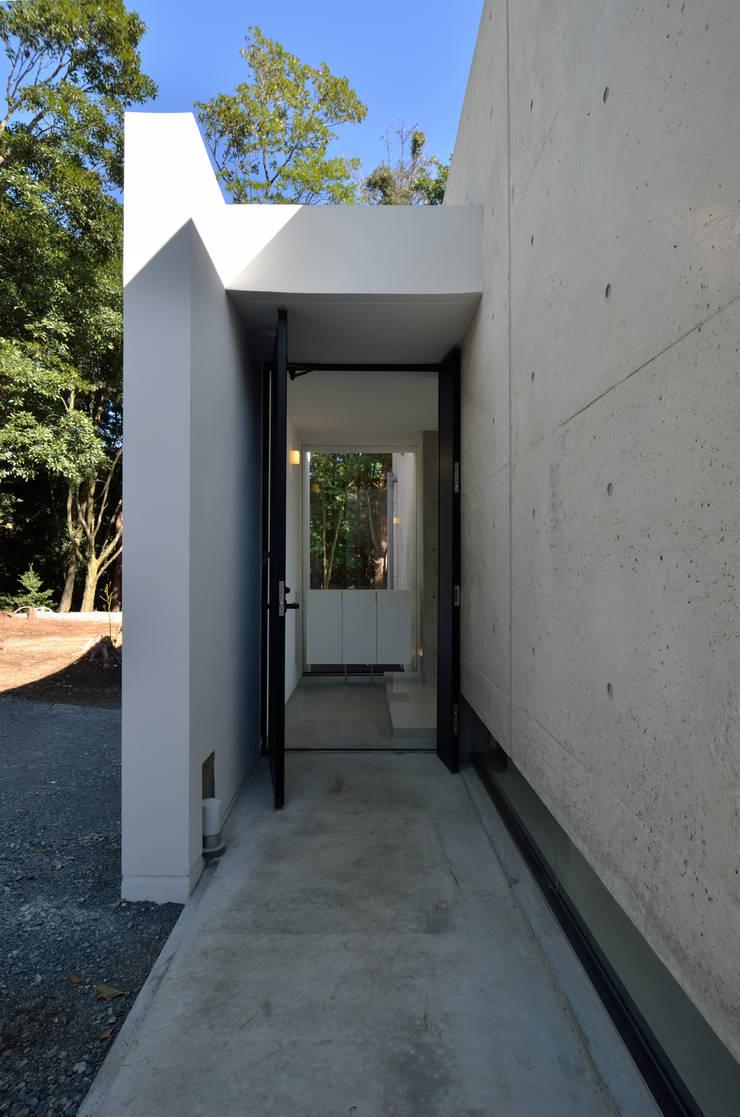 霧島の別荘: アトリエ環 建築設計事務所が手掛けた家です。