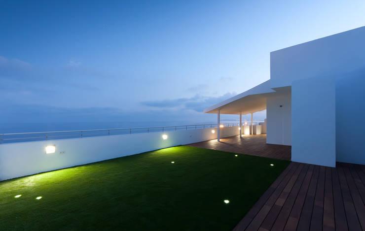Terraza principal: Terrazas de estilo  de GOELIN ARQUITECTOS