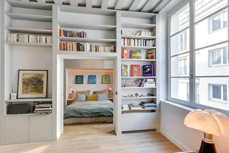 Dormitorios de estilo  por Meero